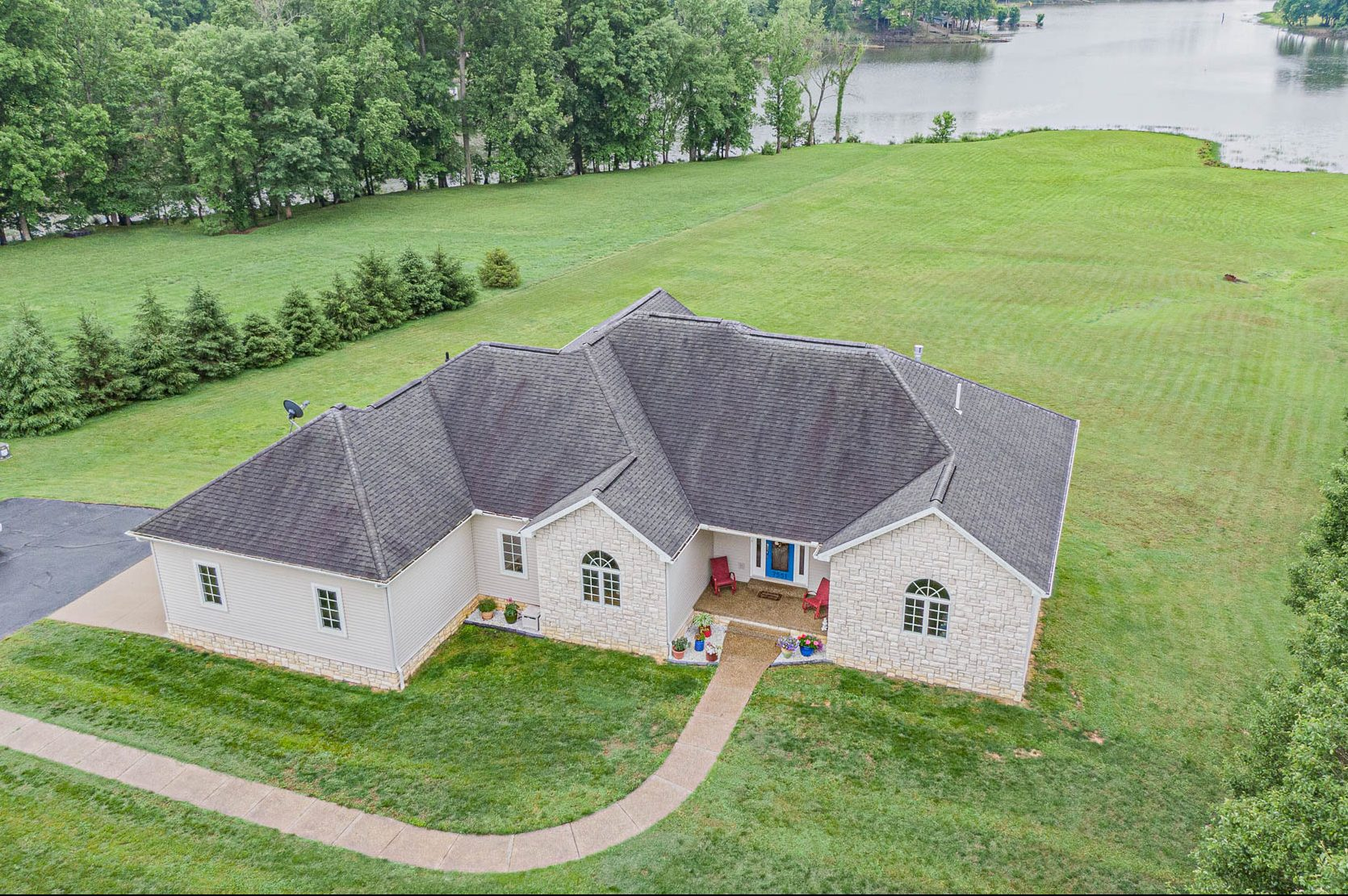 Beautiful Waterfront Home in Southern Indiana!!